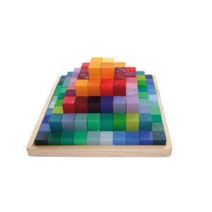 Stufenpyramide-klein-Grimms